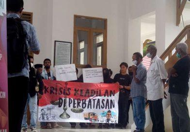 Aksi Unjuk Rasa Warnai Sidang Putusan Supir Truk Sampah DLH Nunukan Yang Sembunyikan Mayat Korban Di Tengah Kebun